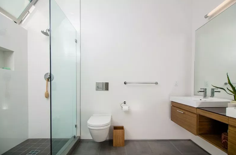 701 Broadway - Modern Bathroom