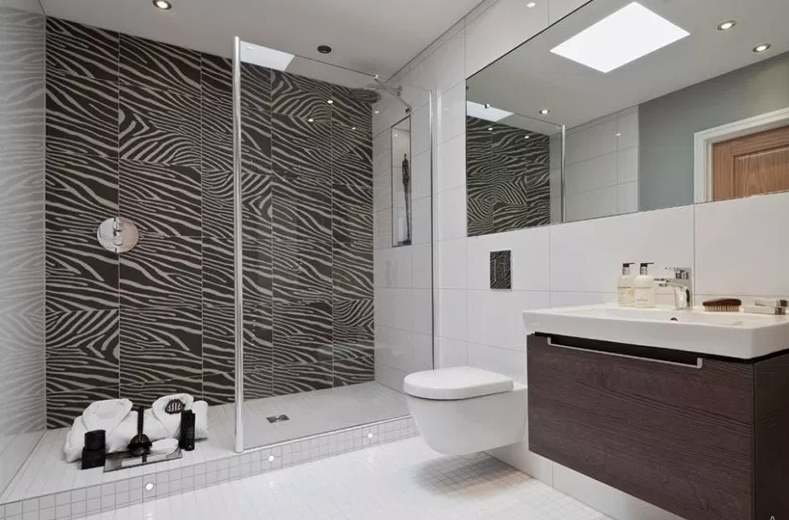 Beechwood Manor - Modern Bathroom