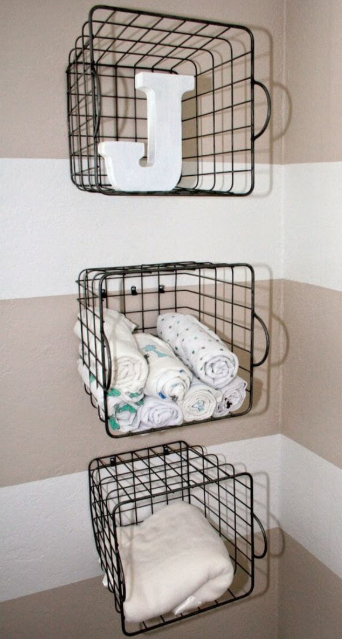 DIY Wire Basket on the Wall