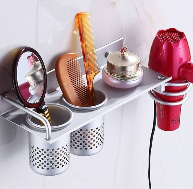 Metal Hanging Tins for Small Bathrooms