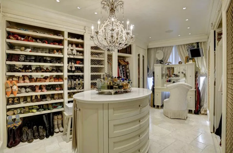 Traditional Style Master Closet - Walk in Closet Ideas
