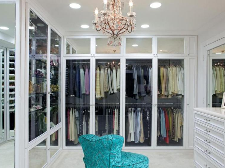Walk In with Mirrored Closet Doors - Walk in Closet Ideas